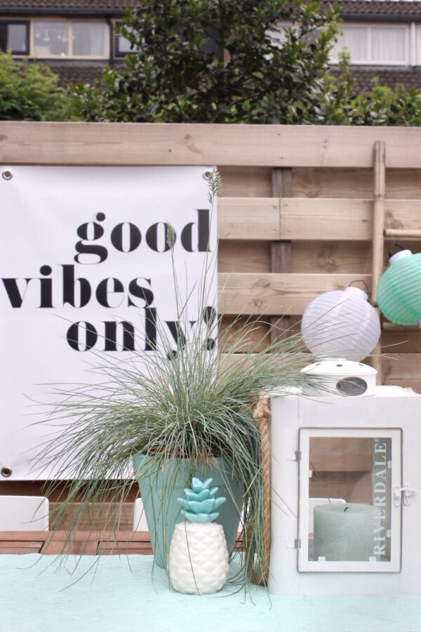 Monochrome outdoor poster Good Vibes Only