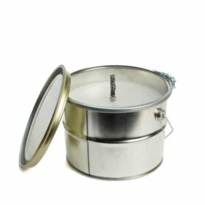White outdoor candle in container villa madelief