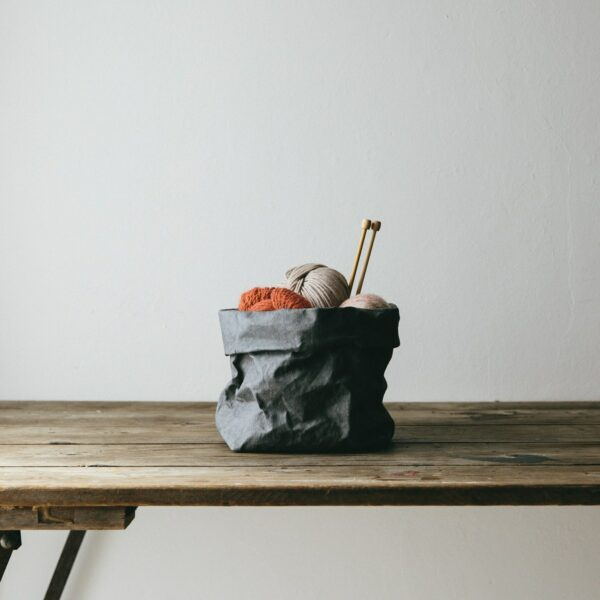 Dark grey paperbag Uashmama medium villa madelief
