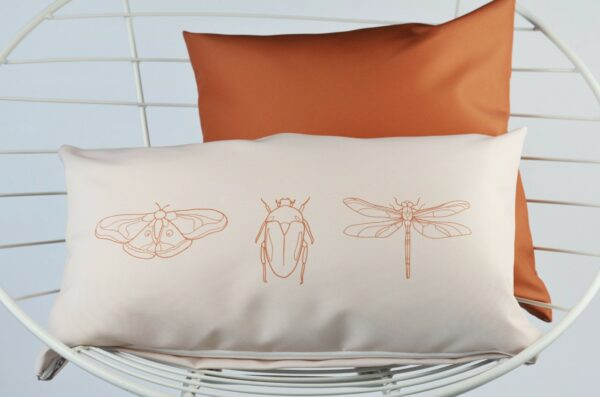Buitenkussen insecten Villa Madelief